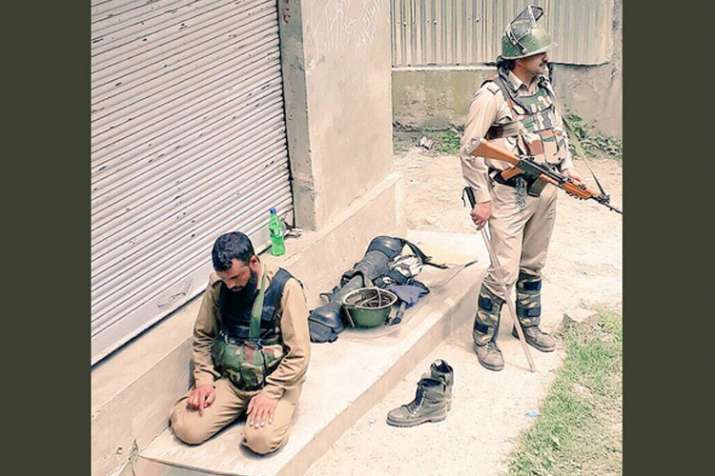 CRPF Srinagar's 'brothers-in-arms for peace' pic goes viral