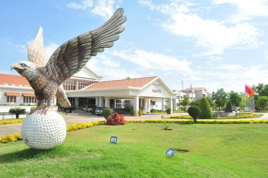Eagleton Golf Resort told to pay Rs 982-crore penalty