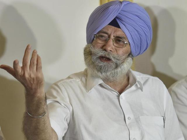 Will not vote for Meira Kumar, says AAP leader HS Phoolka