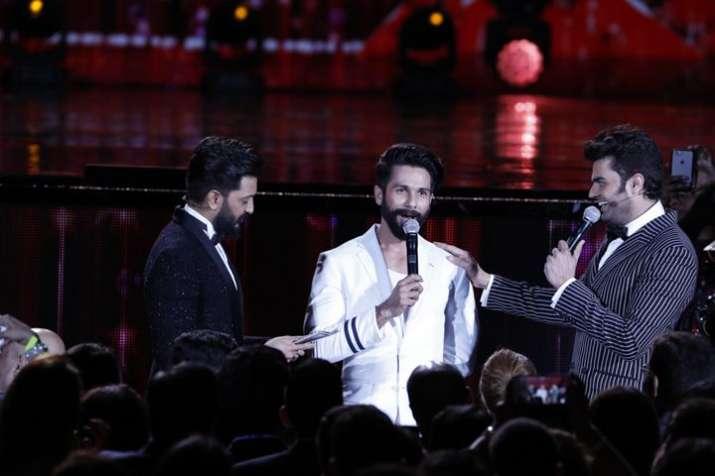 India Tv - Manish Paul, Riteish Deshmukh, Shahid Kapoor