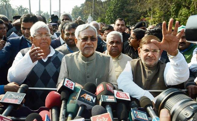 Lalu asks Sharad Yadav to undertake nationwide tour to