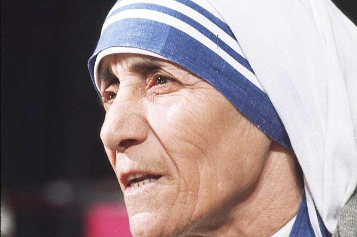 mother teresa blue border sari