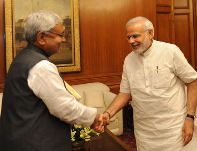 Modi congratulates Nitish for 'joining the fight against