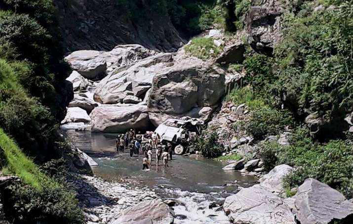 16 Amarnath Yatra pilgrims killed as bus falls into gorge