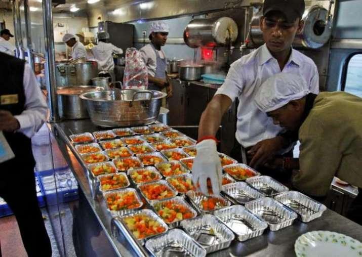catering train food के लिए इमेज परिणाम