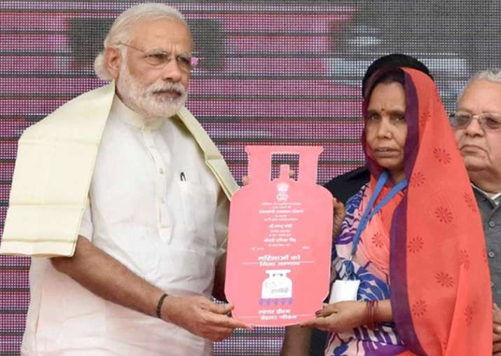 PM Modi expresses happiness on Ujjwala Yojana's success