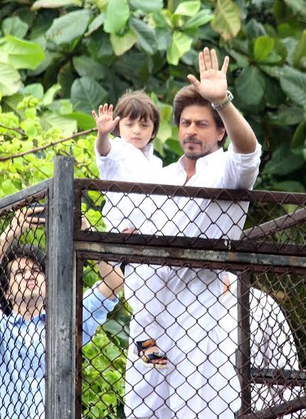 India Tv - Shah Rukh and AbRam