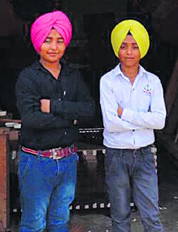 India Tv - Bharat Singh and Pakistan Singh