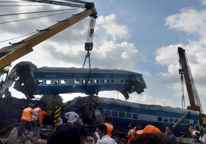 14 coaches of the Kalinga Utkal Express derailed in