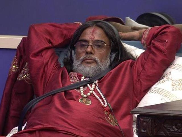 Swami Om speaks against Triple Talaq verdict, gets attacked