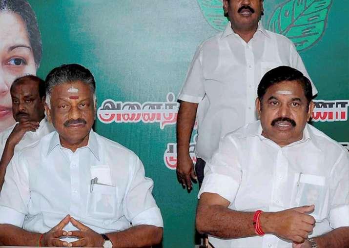 Jaya TV backs AIADMK leader Dhinakaran's camp, slams CM
