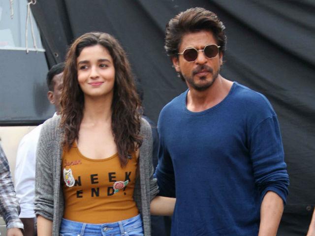 India Tv - Alia bhatt with shah rukh khan