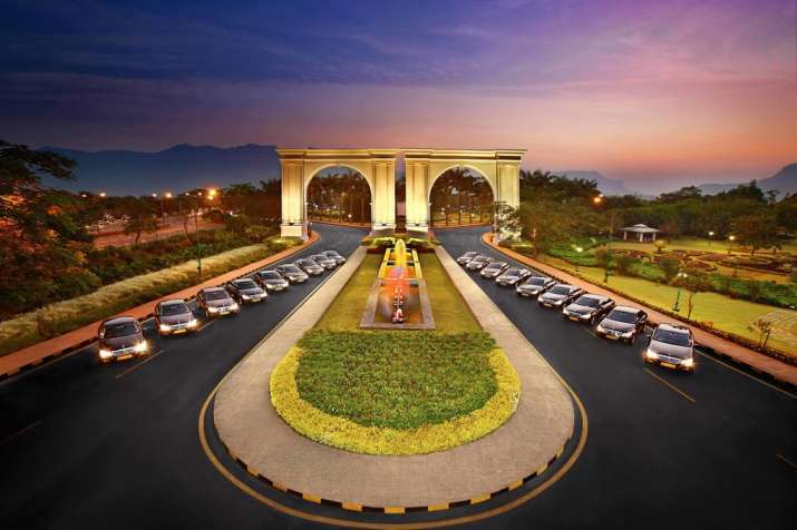 Bombay HC puts Aamby Valley up for auction at Rs 37,392 cr