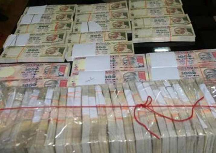 7.62 lakh pieces of counterfeit notes detected in FY17