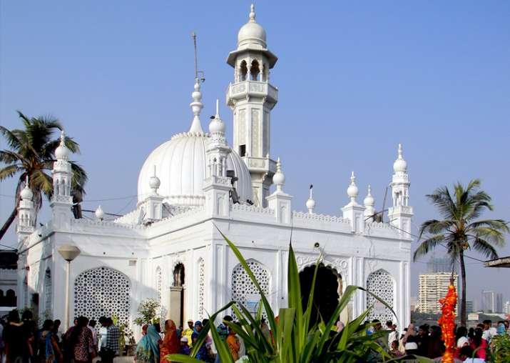 31 unauthorised structures near Haji Ali demolished: