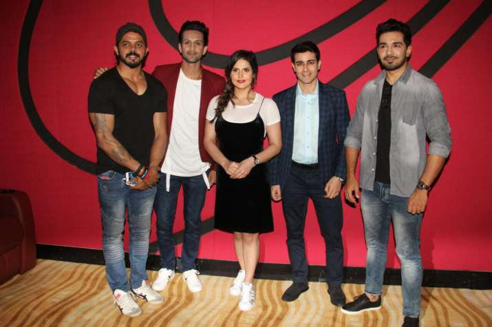 India Tv - Aksar 2