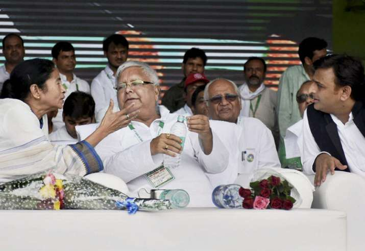 Opposition calls for BJP's ouster at Lalu's rally in Patn
