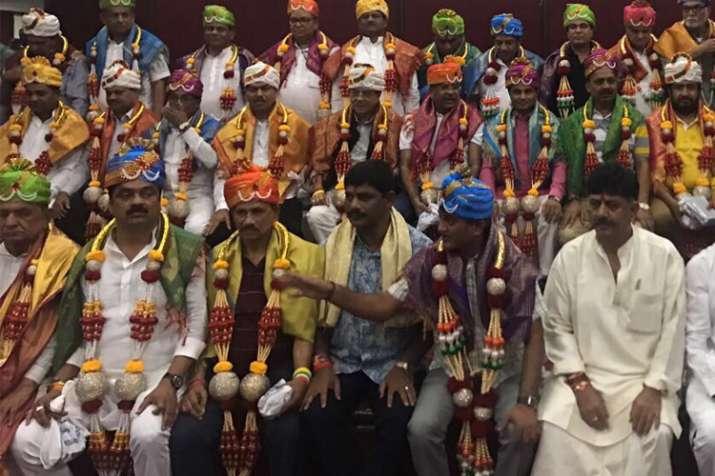 44 Congress MLAs return from Bengaluru amid tight security