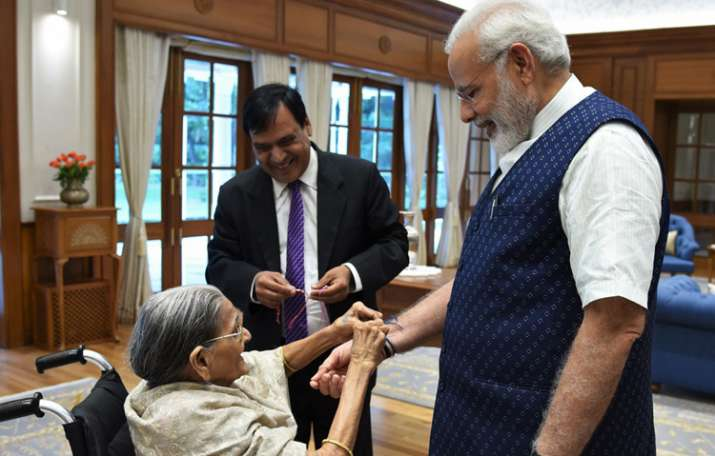 103-year old woman ties Rakhi to PM Modi