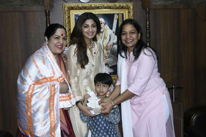 Shilpa Shetty Kundra visits Shirdi