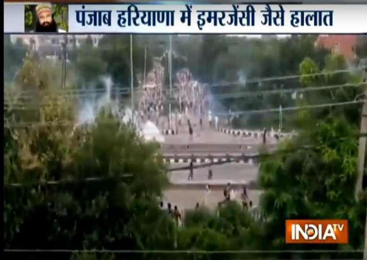Dera violence: Rajnath Singh assures Manohar Lal, Amarinder