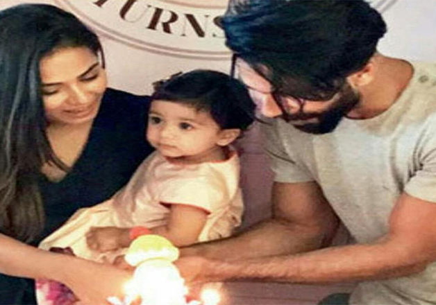 India Tv - Shahid Kapoor and Mira Rajput celebrating their daughter Misha's birthday