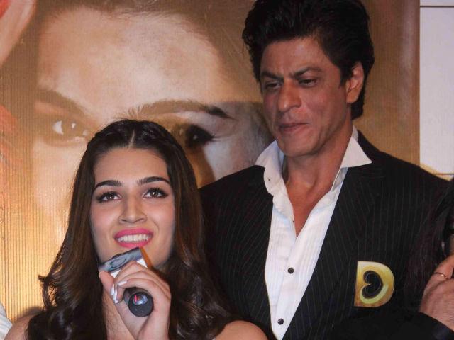 India Tv - kriti sanon with shah rukh khan