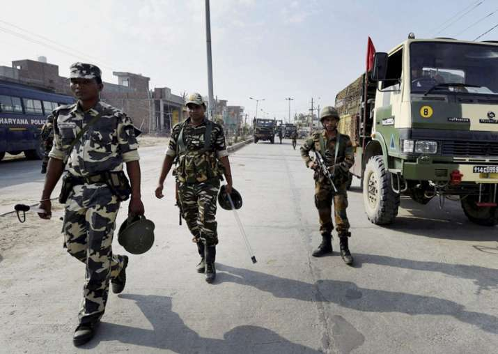 Army personnel take positions near Dera Sacha Sauda in
