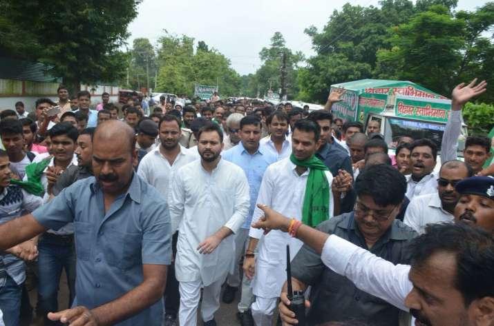 India Tv - RJD leader Tejashwi Yadav on Janadesh Apman Yatra in Champaran