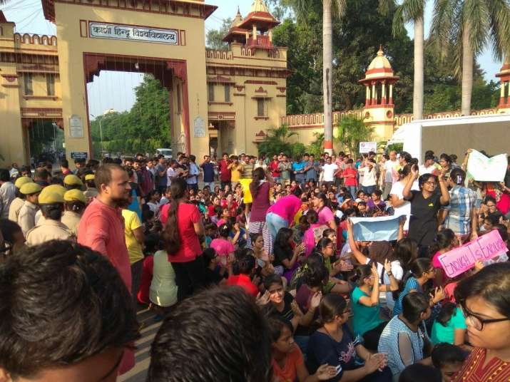 Police baton-charge BHU students protesting against