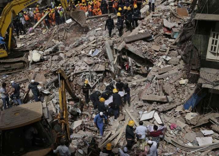India Tv - Building collapse in Mumbai