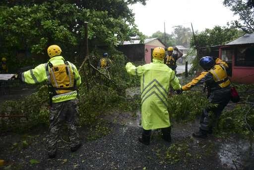 Hurricane Irma lashes at Puerto Rico
