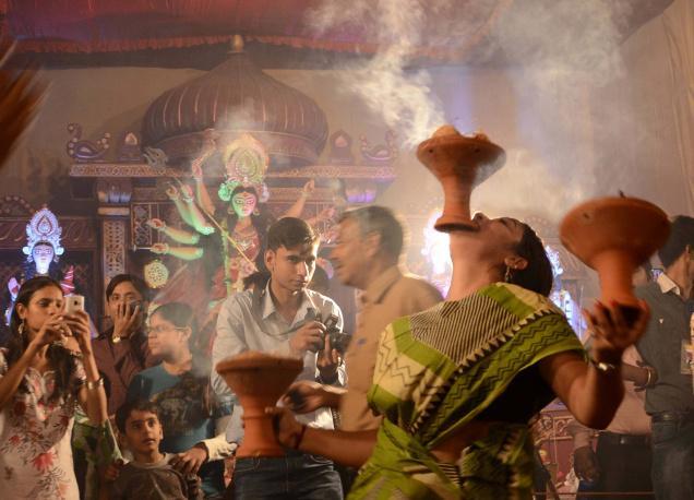 India Tv - Minto Road Durga Puja Pandal