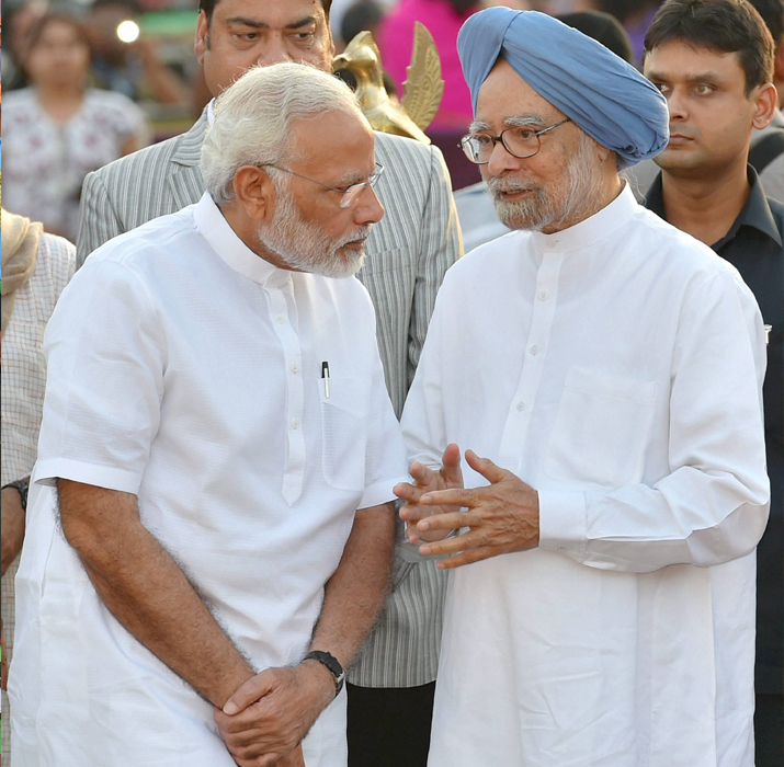 India Tv - PM Modi and Dr Manmohan Singh during Dussehra celebrations