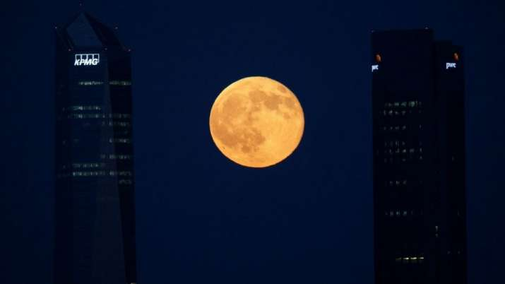 India Tv - Moon blocks out Venus, Mars, Mercury and a star after 28 years