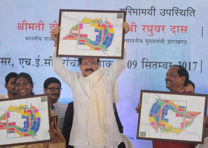 Ranchi: Venkaiah Naidu along with Droupadi Murmu and
