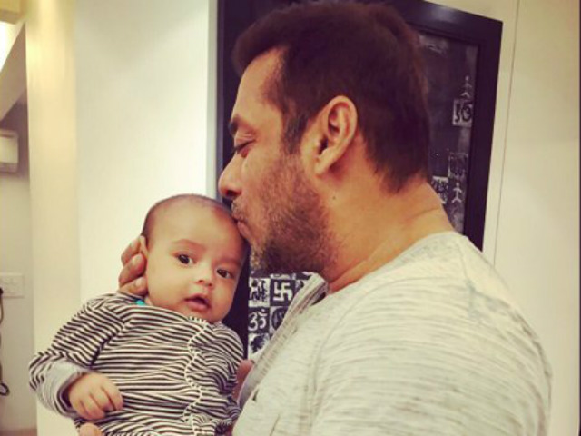 This video of Salman Khan enjoying breakfast with nephew