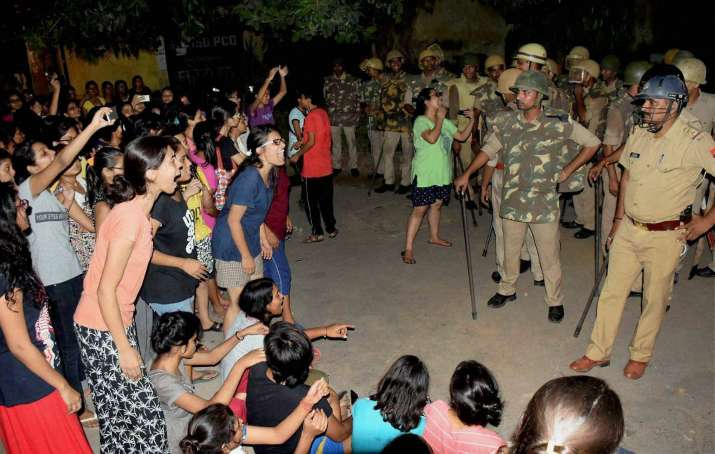 India Tv - A standoff between students and police at BHU on Saturday