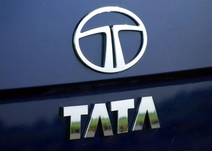 Govt to procure 10,000 e-vehicles from Tata Motors for Rs