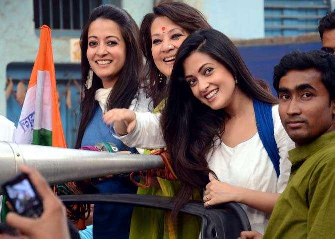India Tv - Riya Sen and Raima Sen