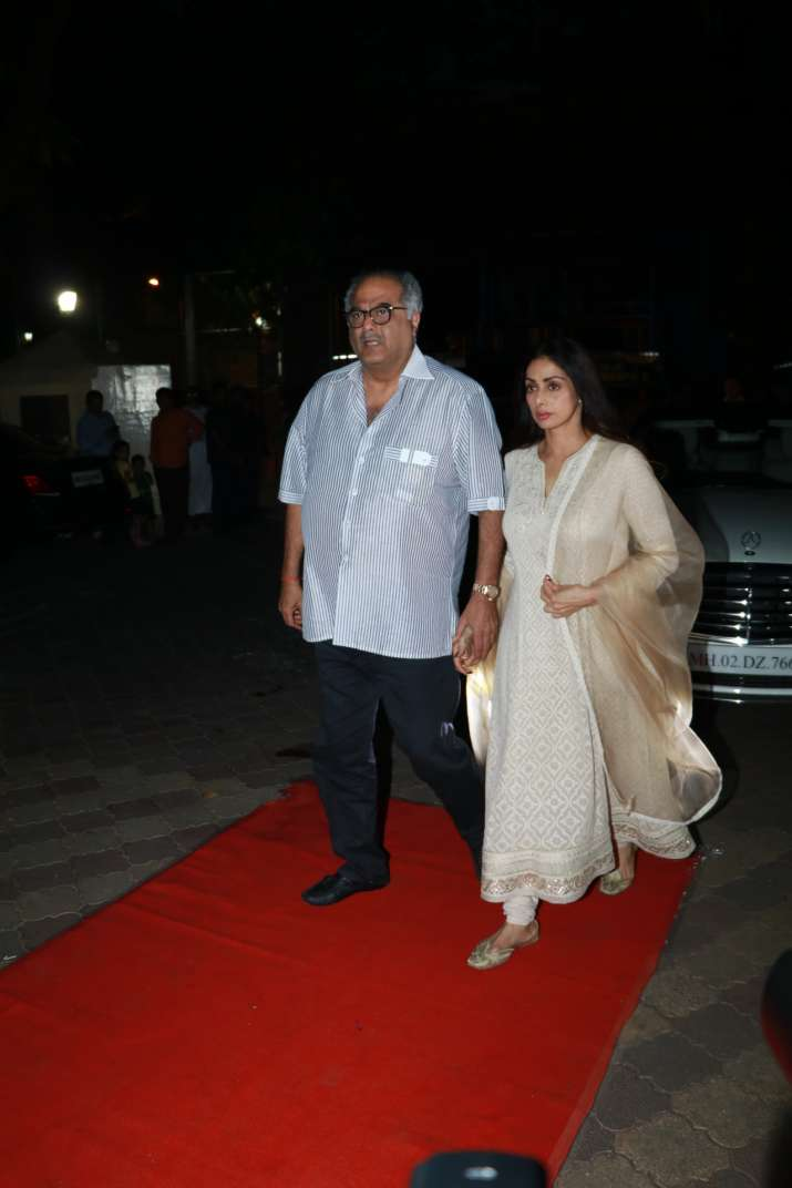 India Tv - Rani Mukerji's father's prayer meet