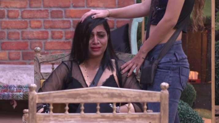 FIR against Bigg Boss 11 contestants Priyank and Sapna