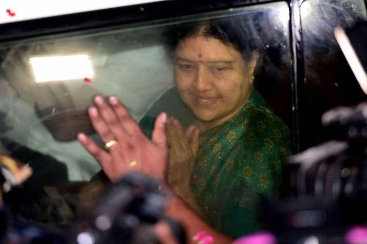 Sasikala's five-day parole ends, to return to Bengaluru