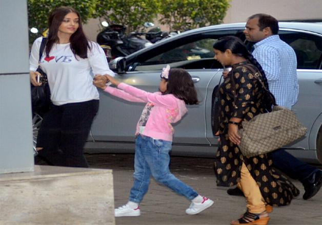 India Tv - Aishwarya Rai and daughter Aaradhya
