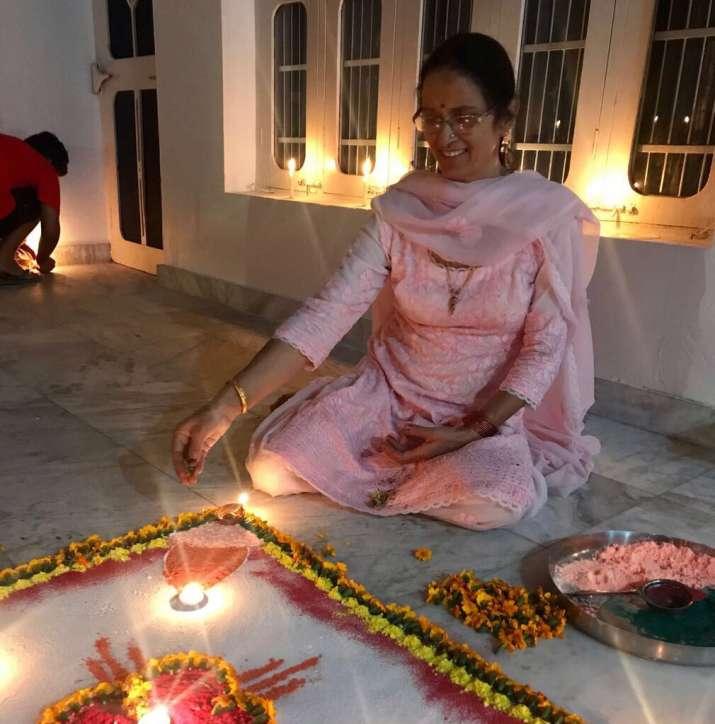 India Tv - kangana's mother asha ranaut