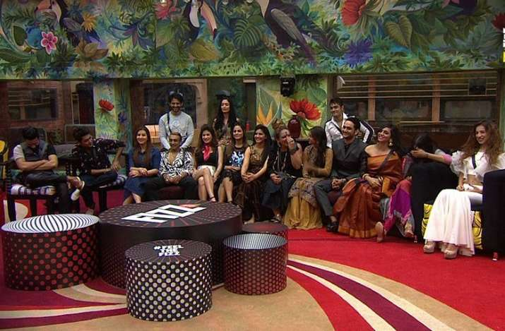 India Tv - Housemates interacting with host Salman Khan