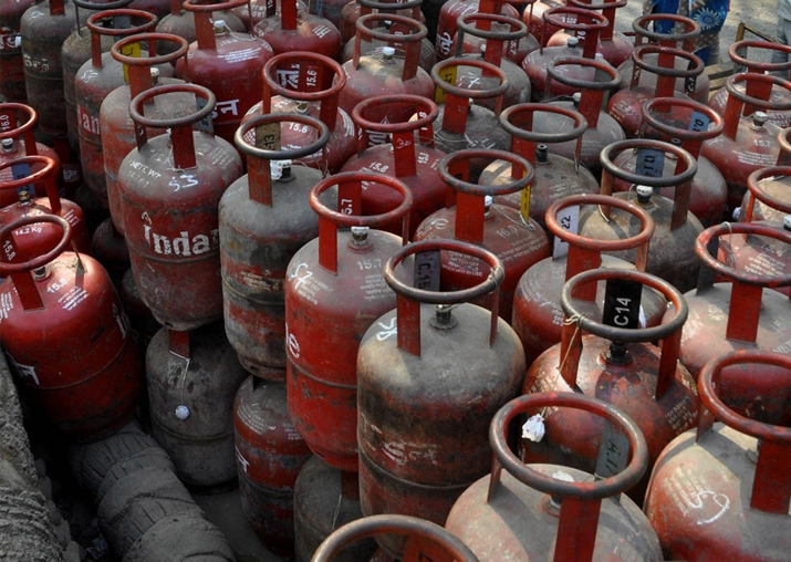 Jet fuel price hiked by 6 pc; LPG costlier by Rs 1.50 a