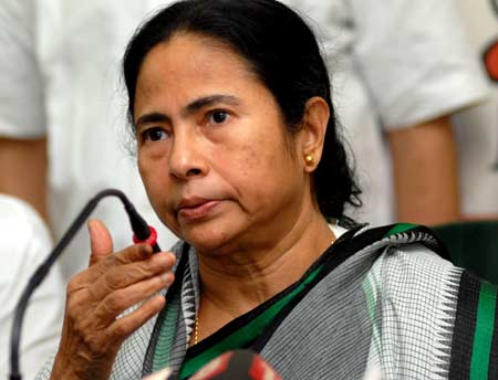 Will obey Supreme Court's directive on Aadhaar, says Mamata