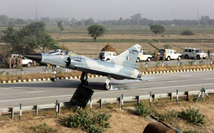 India Tv - An IAF Mirage-2000 aircraft lands on the Yamuna Expressway near Mathura in Uttar Pradesh in Nov 2015