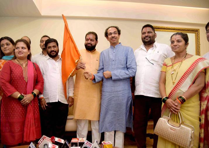 Six MNS corporators in BMC join Shiv Sena